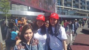 Benazir Komarudin (tengah, anggota kepengurusan Departemen Pelayanan Sosial dan Masyarakat PPIA) | Volunteer Wonderful Indonesia Festival 2015