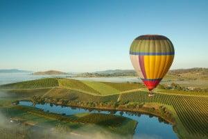 BUSET SPESIAL VALENTINE - KEGIATAN UNIK 3 hot air baloon yarra
