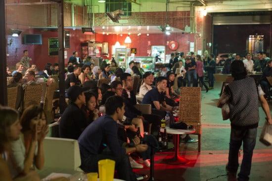 Sekitar 100 pengunjung menghadiri AIYA Music Night