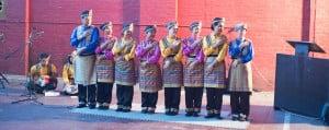 grup tari Bhinneka tampil membawakan tarian tradisional