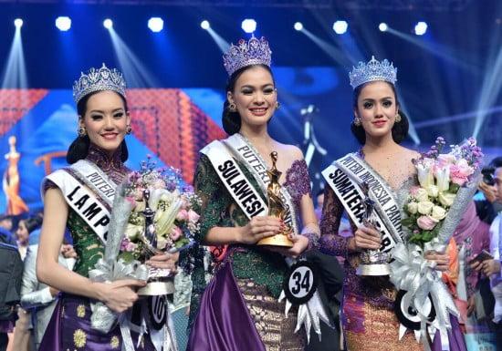 (dari kiri): runner up I, Puteri Indonesia, runner up II