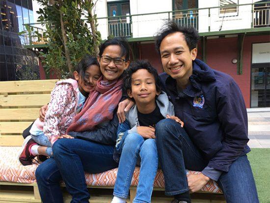 Tristan bersama kedua orang tuanya, Sigit dan Luluk, dan adiknya, Reyna