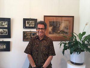 Beberapa foto merupakan koleksi pribadi Anton Alimin, yang juga ialah panitia penyelenggara pameran foto ini