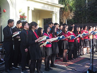 Paduan suara Gereja Reformed Injili Indonesia membawakan lagu For Unto Us The Child is Born