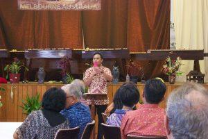 Penyampaian firman oleh Pdt. Samuel Parabak